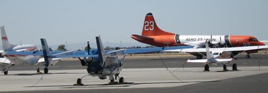 фото заземленного пожарного самолета